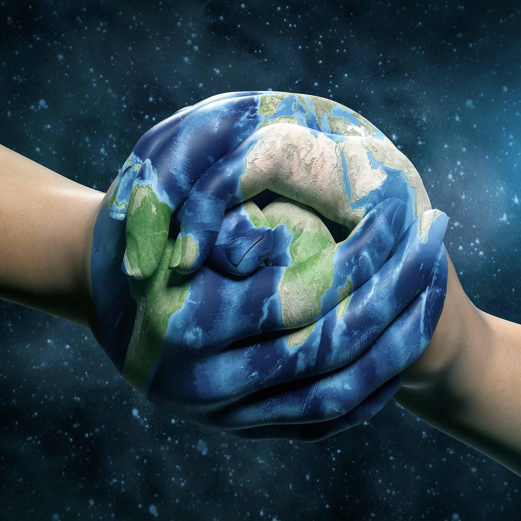 Mission Mindshift: Weltkugel, die aus zwei Händen geformt wird